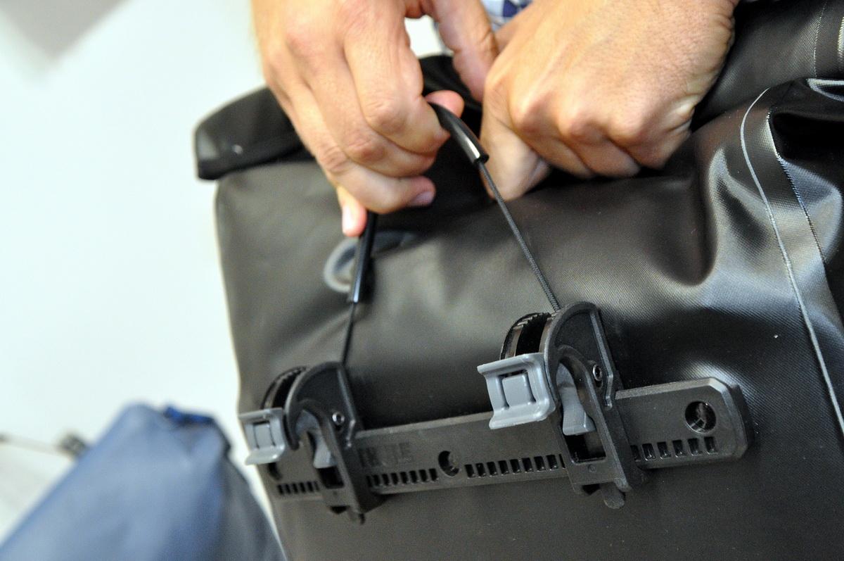 Thule Shield Pannier - könnyen oldható és felhelyezhető
