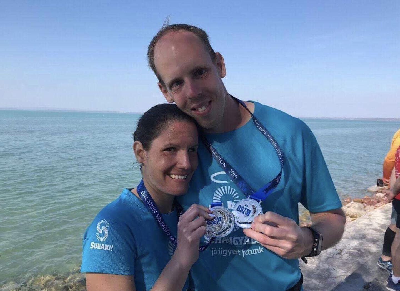Bereczki Nelli és Fejes Gábor a Balaton Szupermaraton után