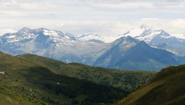Az Alpok legmagasabb csúcsai: legendák, bravúrok, túrautak, tippek