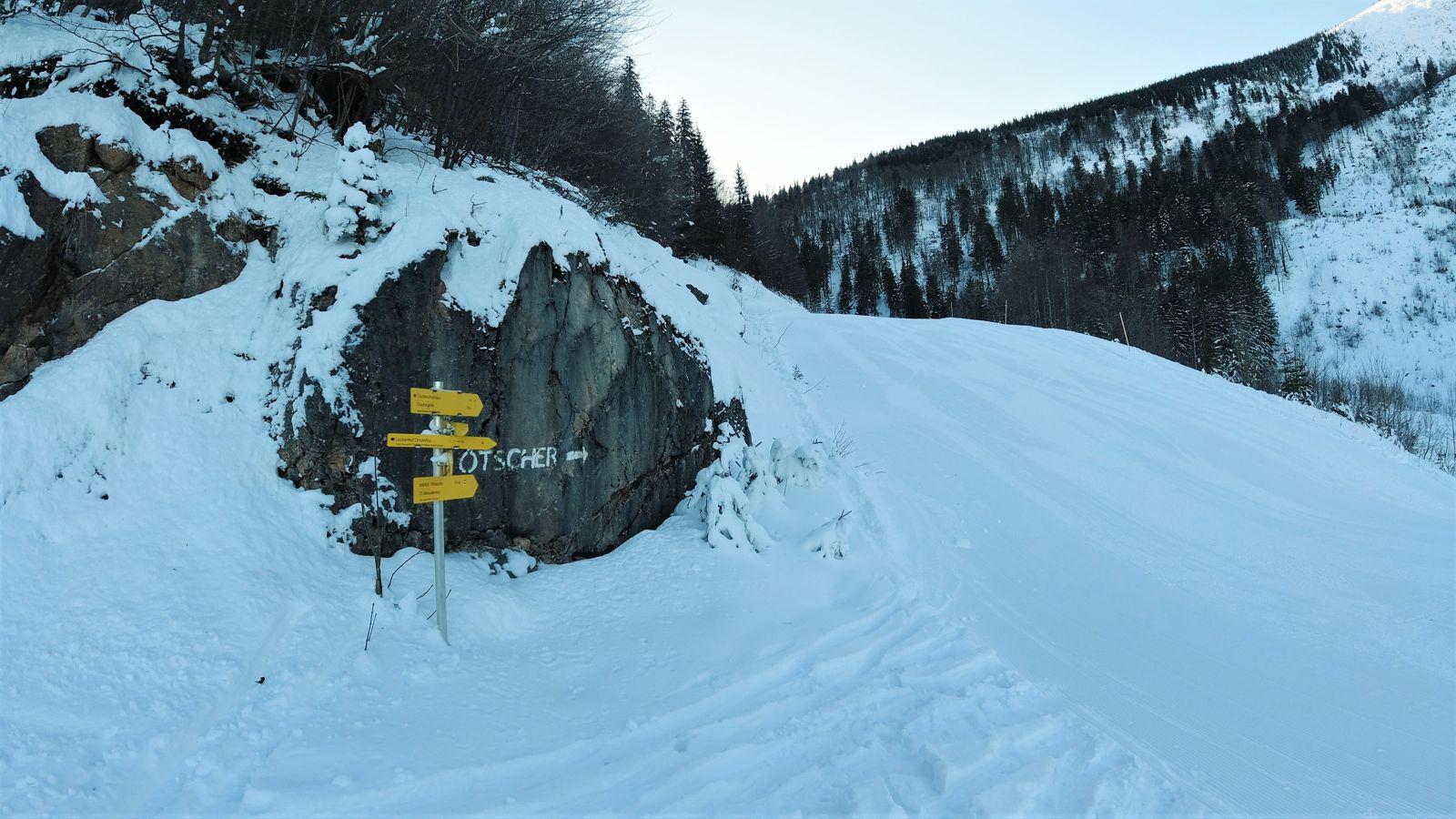 Útjelző táblák és az Ötscher felirat - Ötscher sítúra