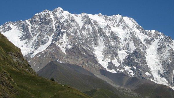 4300 méteren a magyar téli Shkhara-expedíció