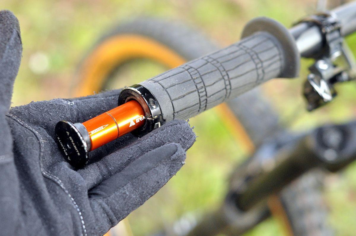Szerszámok a bringádba rejtve - Granite Stash Tool System