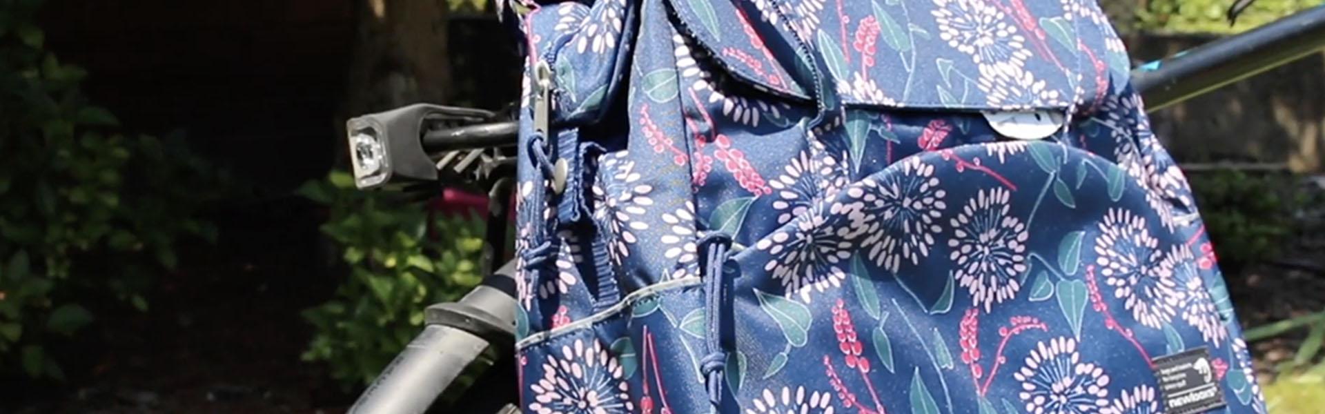 Csomagszállítás kerékpárral, elegánsan, csinosan - New Looxs kerékpáros táskák