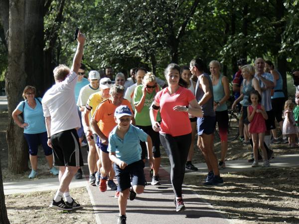 Új futókört avatott a Kőbányai Önkormányzat