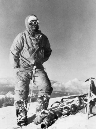Lino Lacedelli a K2 csúcsán