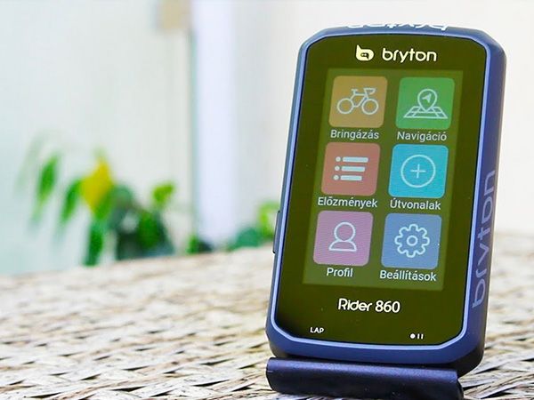 Érintőképernyős, színes térképes, kerékpáros navigáció - Bryon Rider 860 teszt