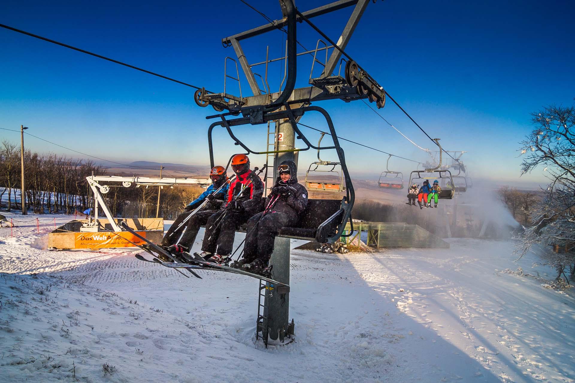 A Magyar Sí Szövetség is támogatja az általános iskolások ingyenes sí- és snowboardoktatását-1