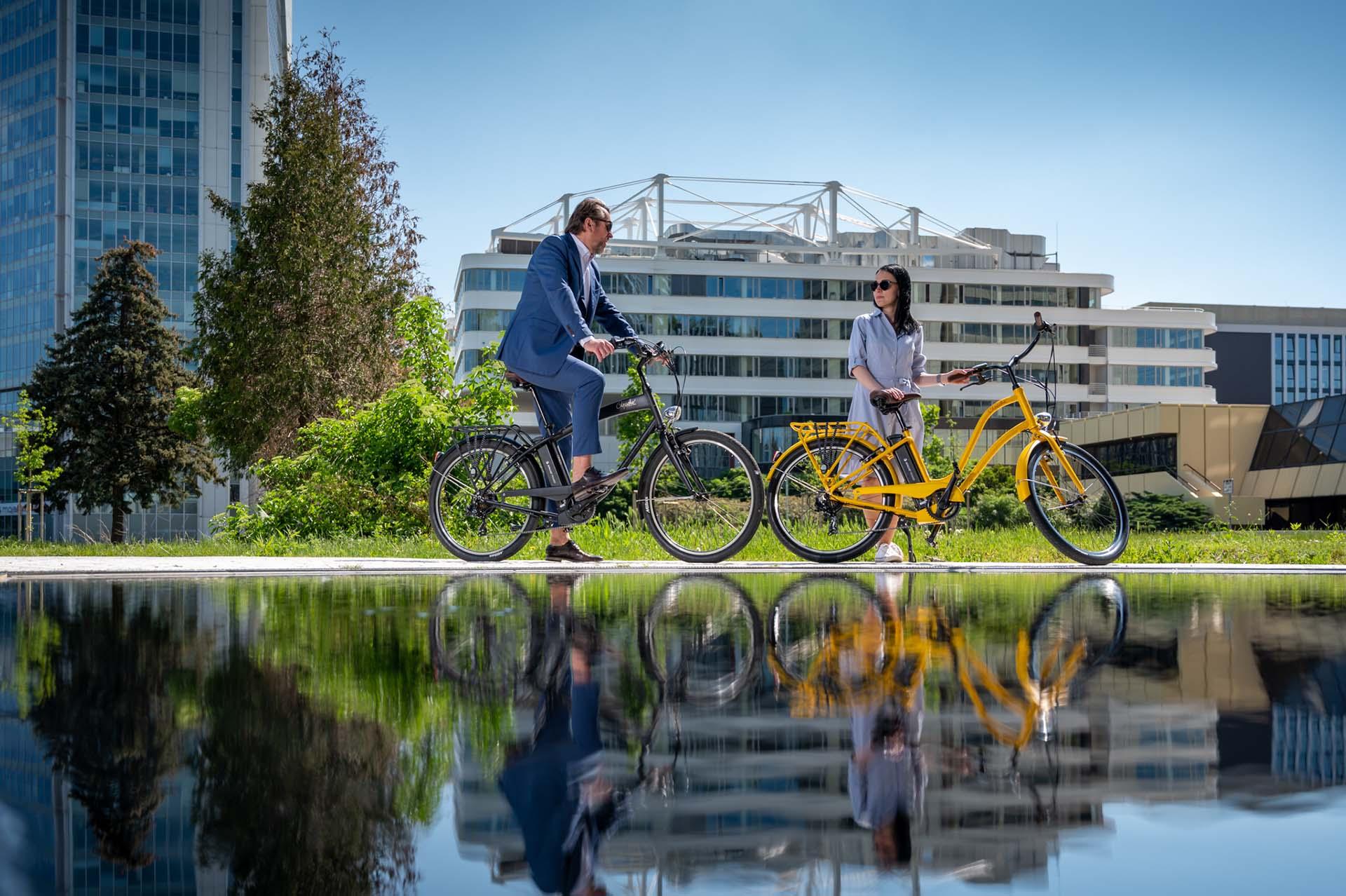 Egy cseh indián, aminek ki van mind a két kereke  Apache Bicycles-1