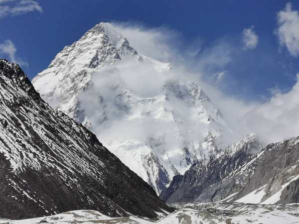 Világraszóló siker: megmászták a K2-t télen!