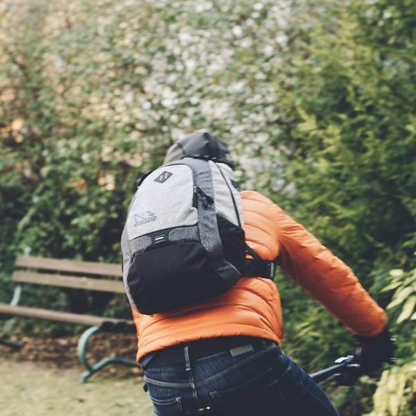 A táska, ami a hátadra fekszik és pont - USWE