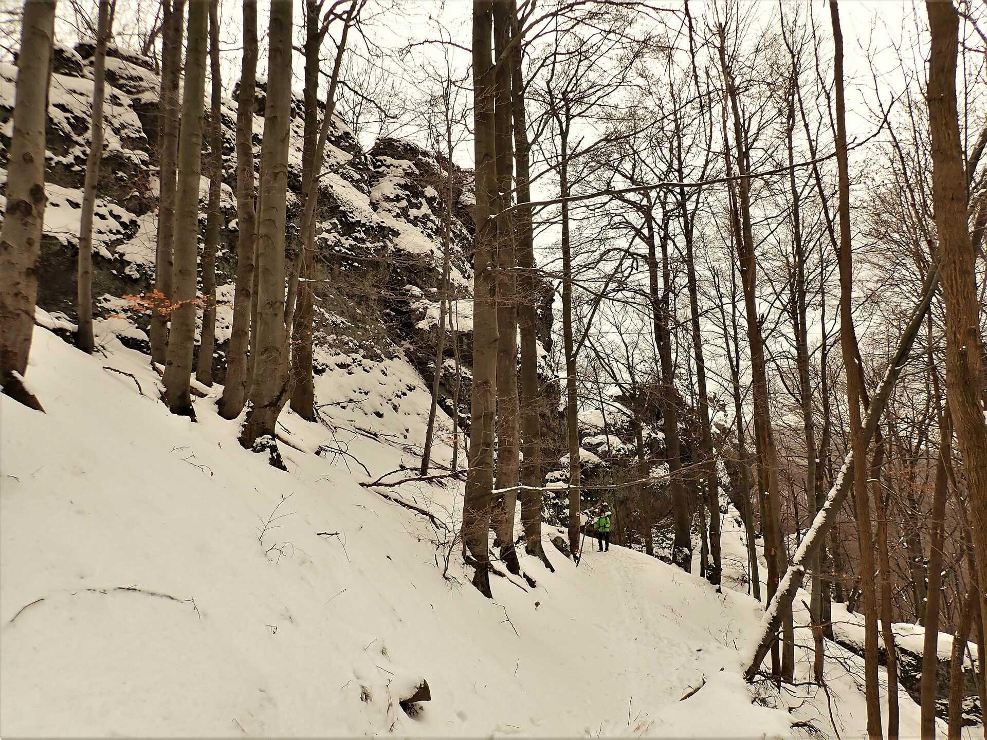 Kaldera kalandok, túra látványos sziklaformációk között-3