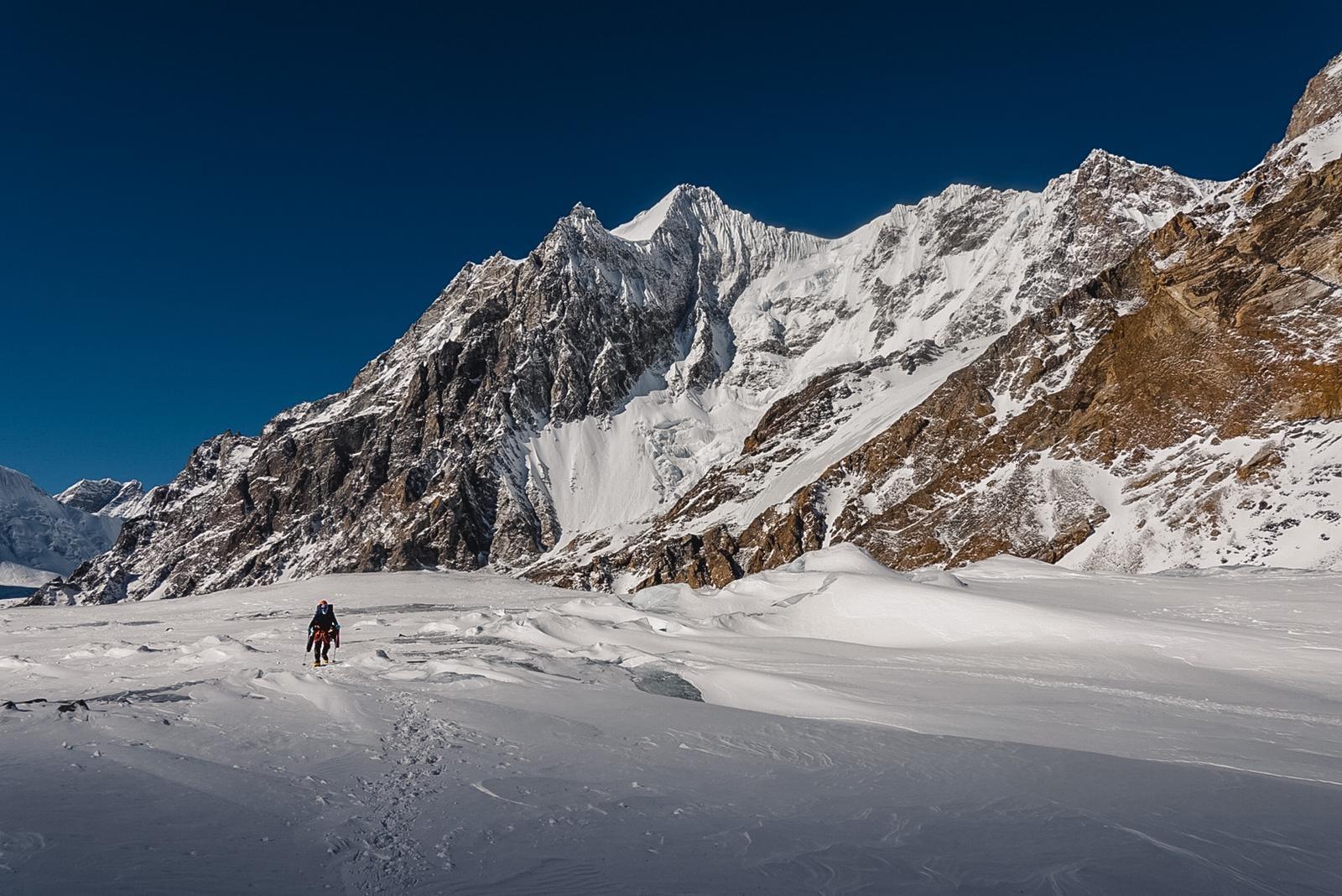 Trekking a Baltoro-gleccseren a K2 alaptábora felé