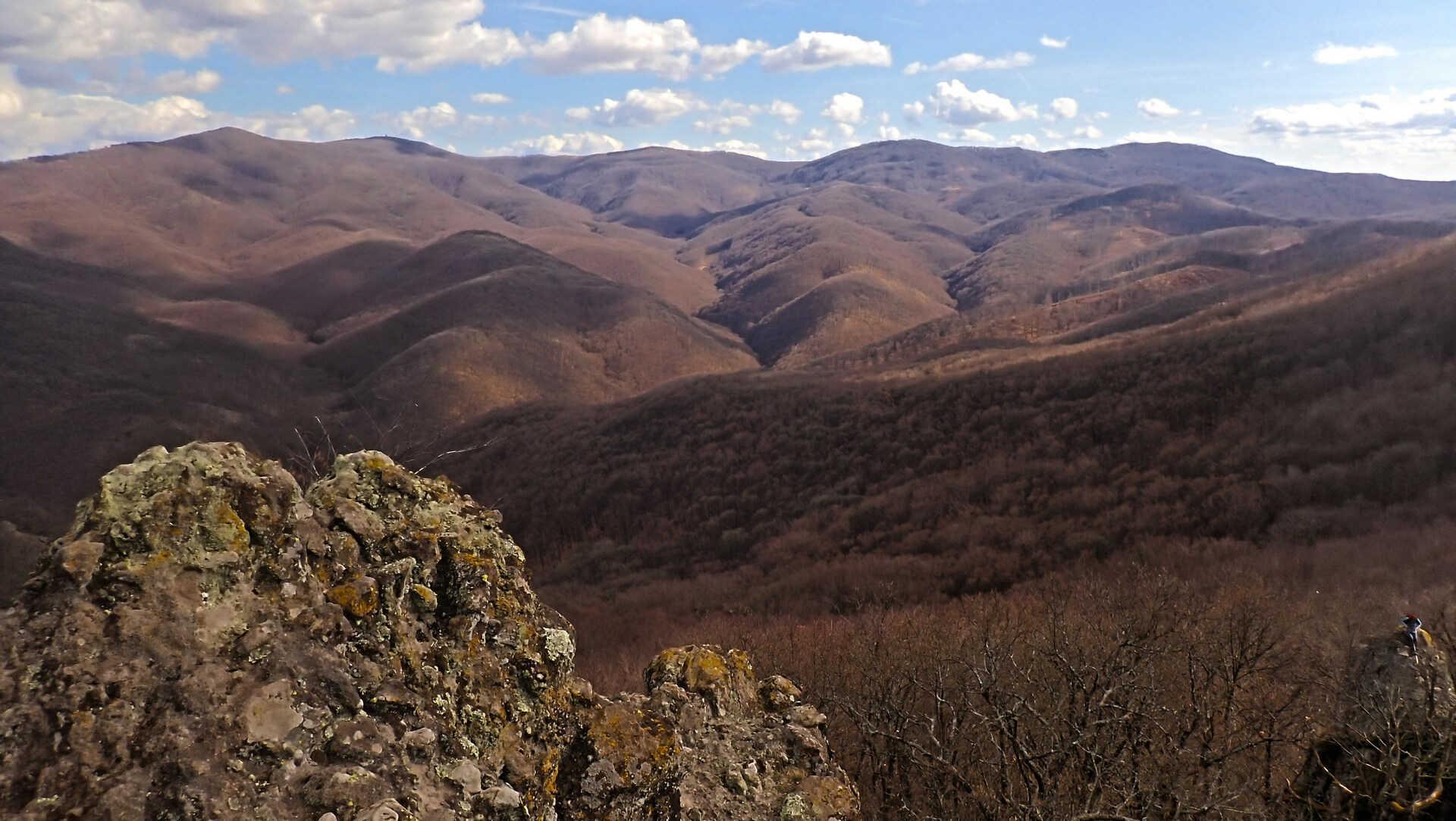 A legendás Csarna-völgyből a Salgó-vári kilátásokig-5
