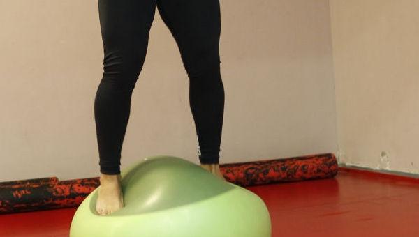 Páros lábbal felugrás fitball labdára