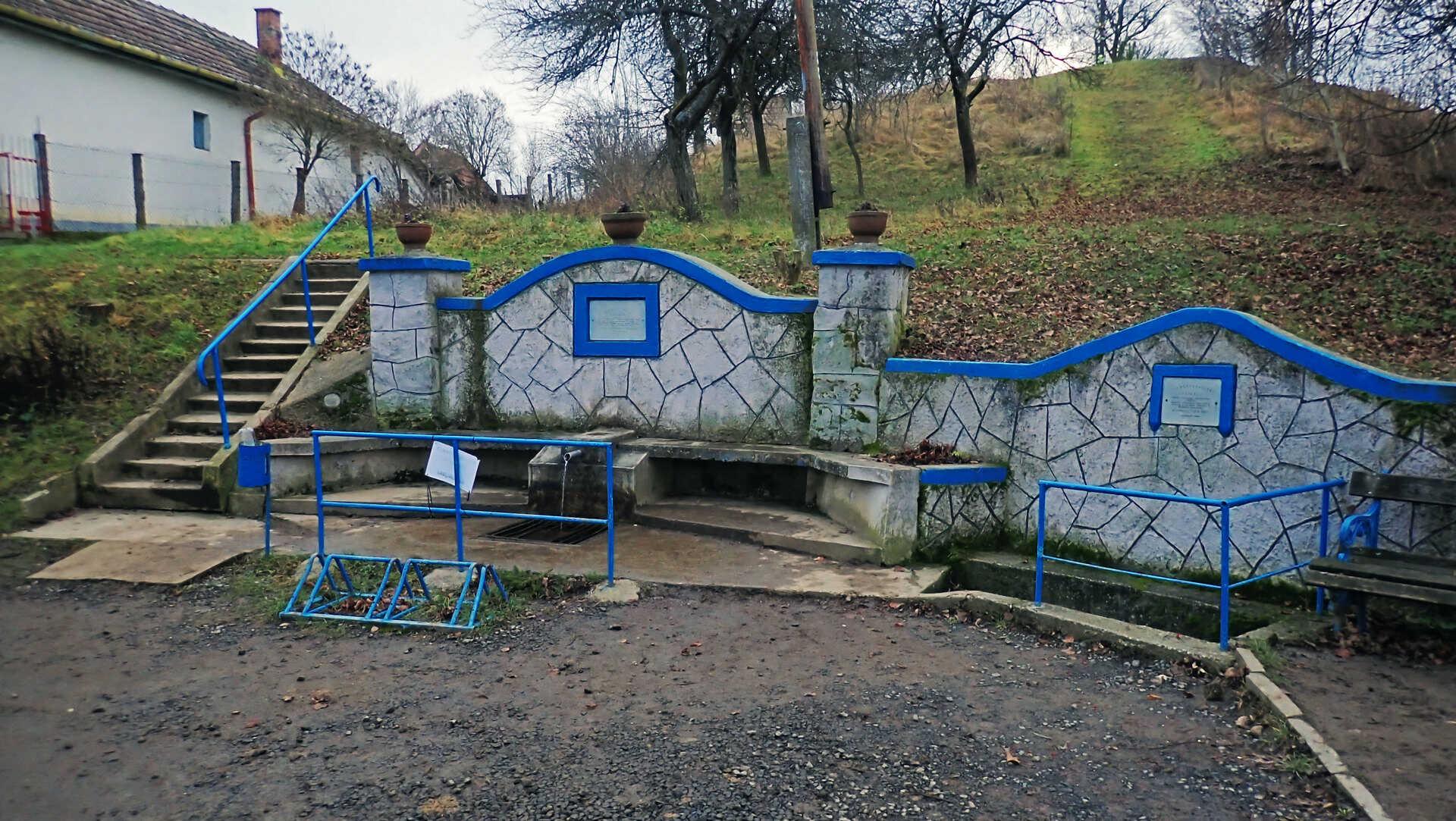 Családi várnéző és vonatleső kirándulás a Nógrádi Róka-hegyen-4