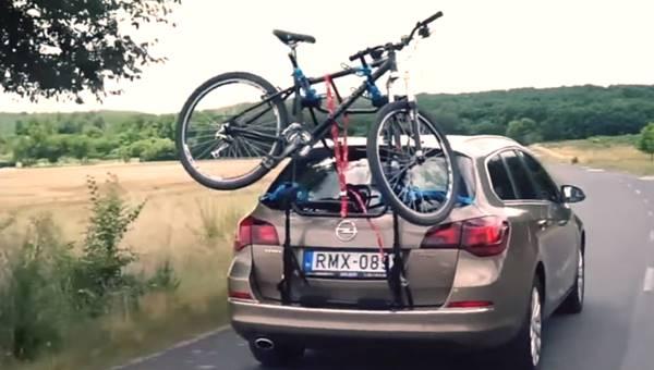 Btwin hátsó ajtóra szerelhető kerékpárszállítók