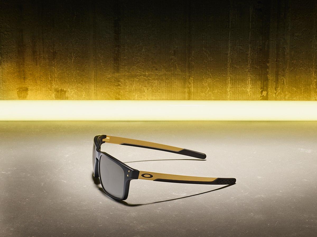 Nyerj Oakley szemüveget!-2