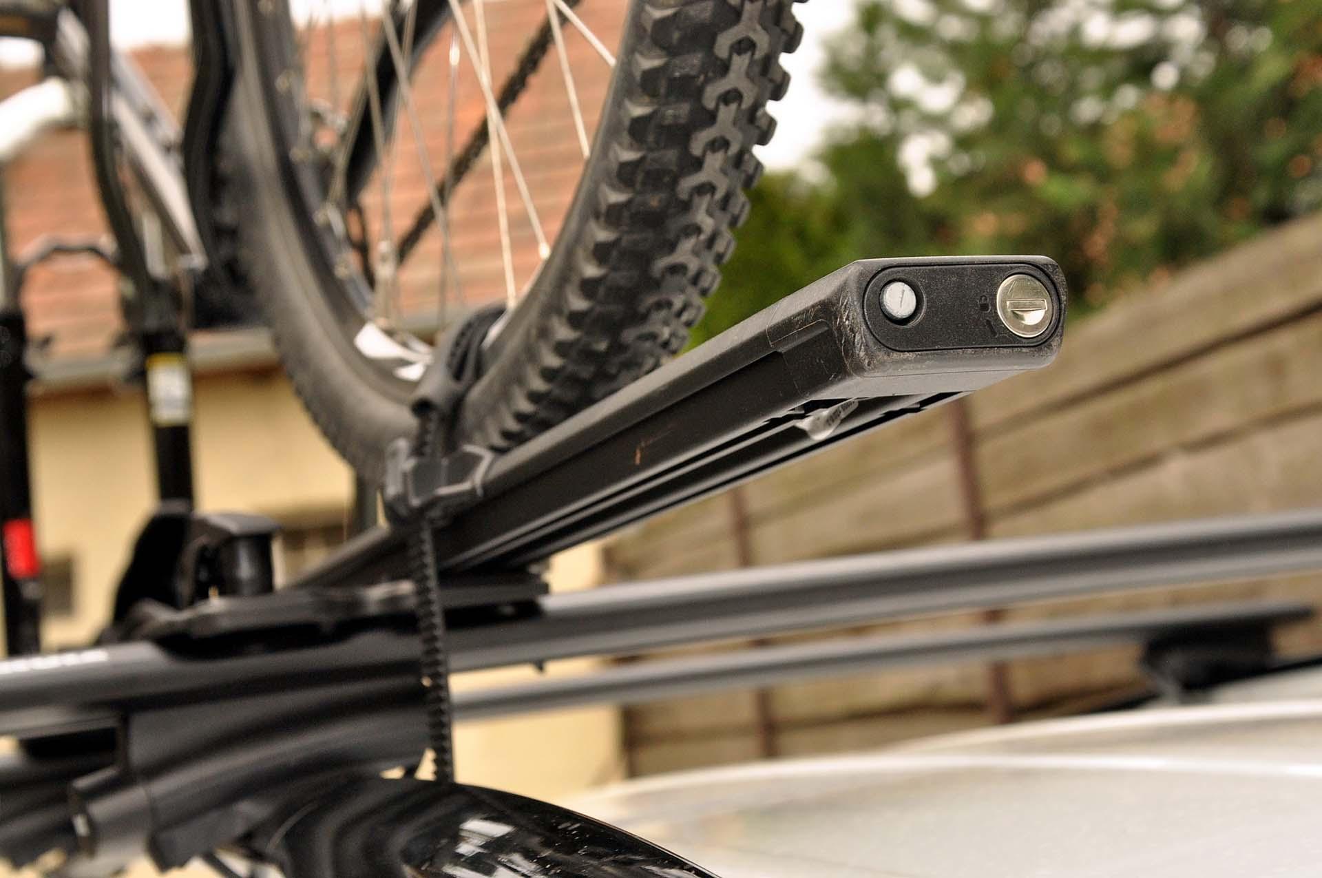 Thule FastRide és TopRide kerékpárszállítók-6