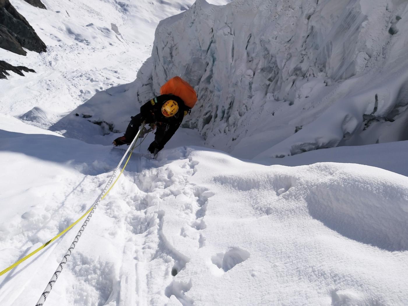 A Győzelem-csúcson folytatódik a Hópárduc-expedíciósorozat-1