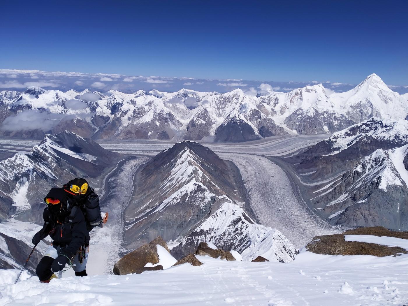 A Győzelem-csúcson folytatódik a Hópárduc-expedíciósorozat-2