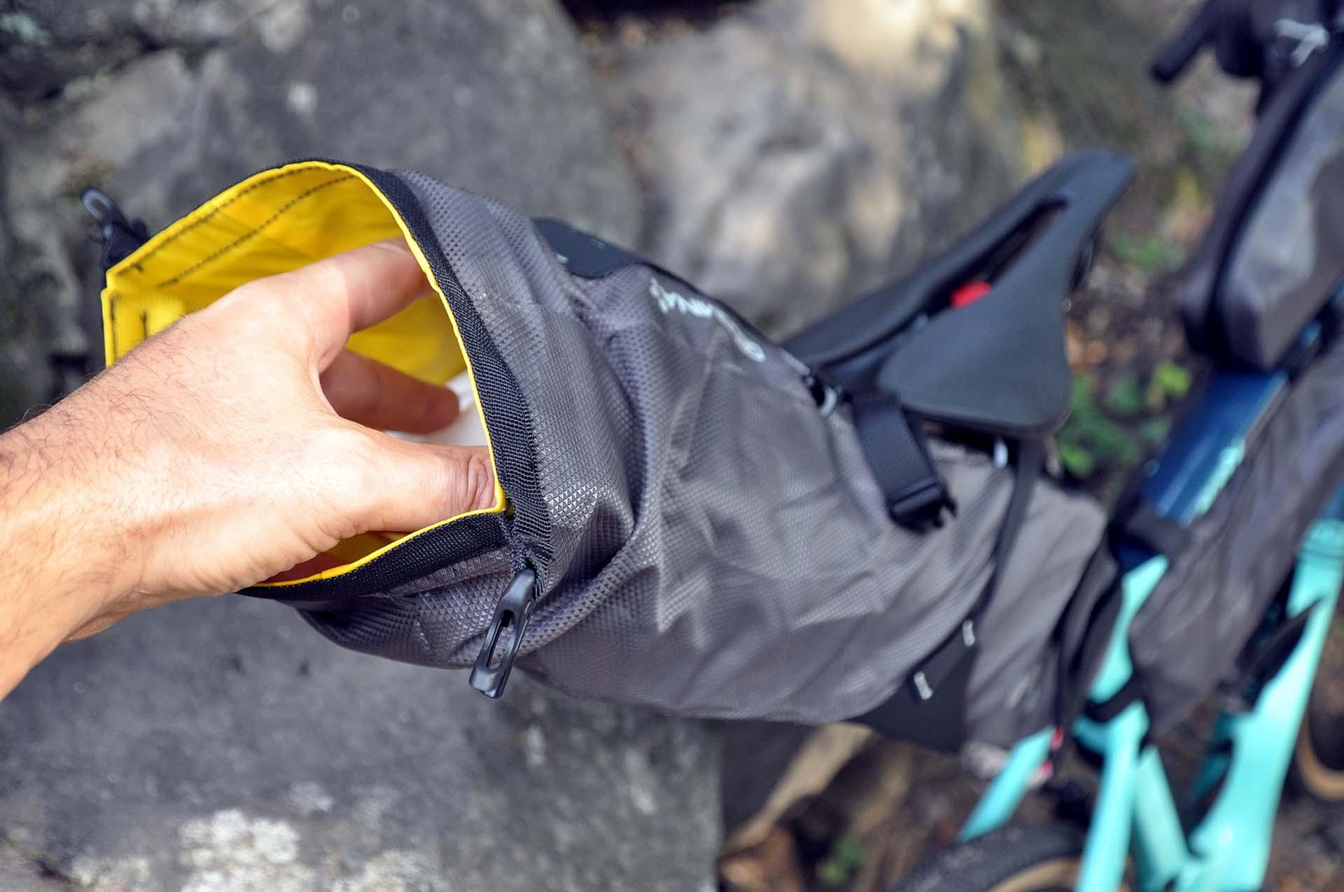 Itthon is elérhetők a Geosmina táskák-12
