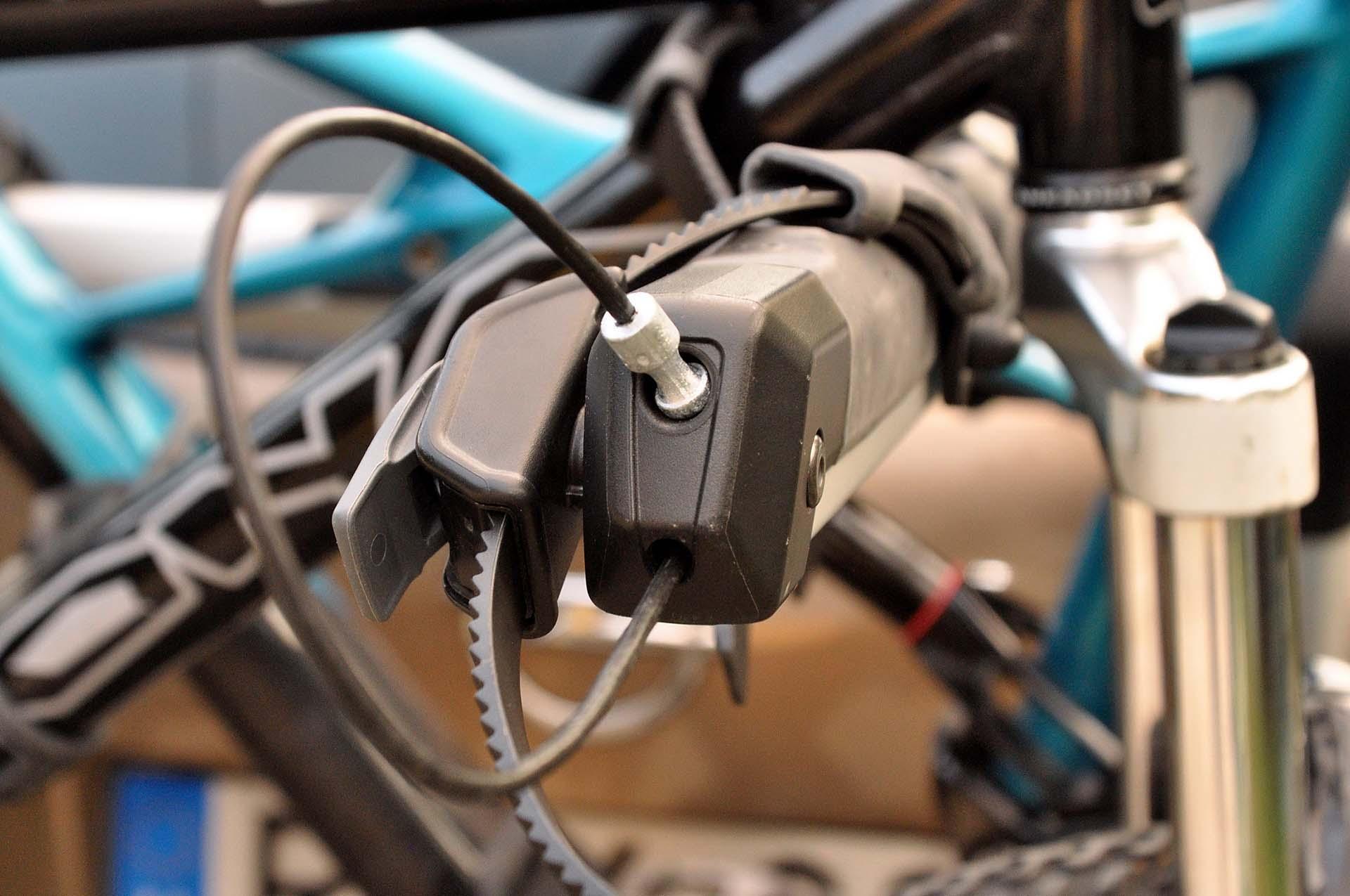 Thule Outway Hanging - kerékpárszállítás a kocsi hátulján-7