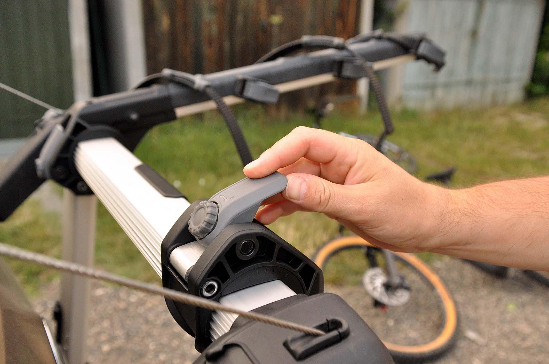 Thule Outway Hanging - kerékpárszállítás a kocsi hátulján-9