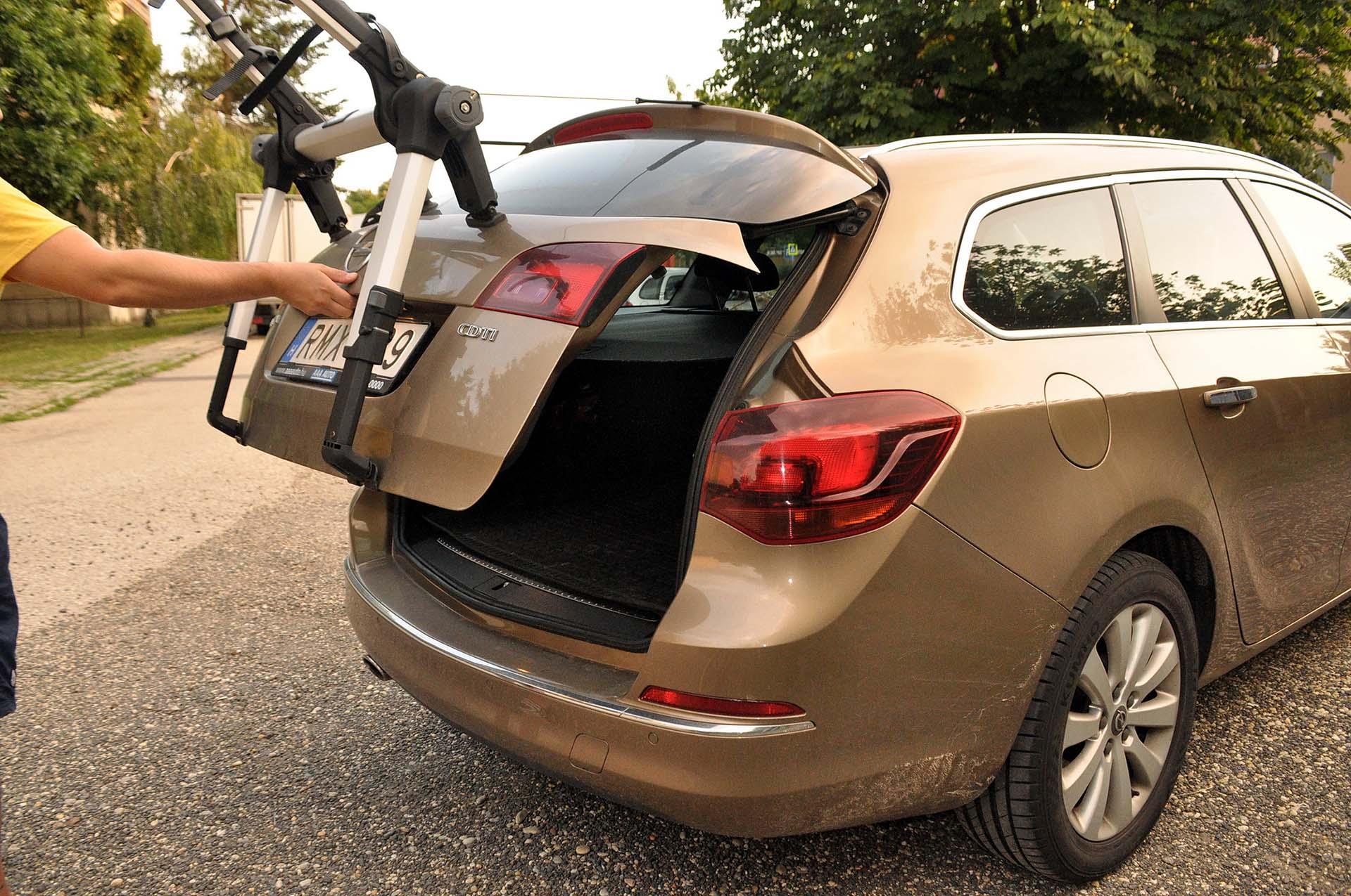 Thule Outway Hanging - kerékpárszállítás a kocsi hátulján-11