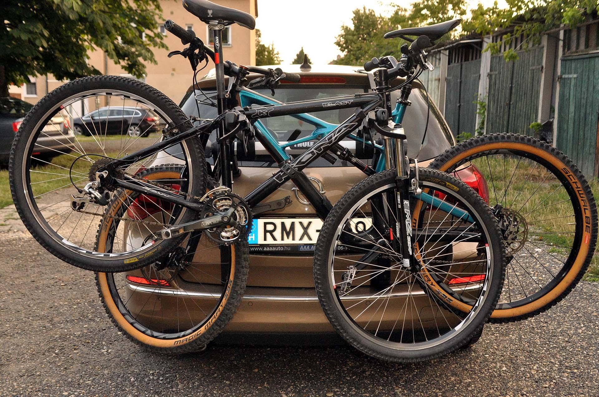Thule Outway Hanging - kerékpárszállítás a kocsi hátulján-15