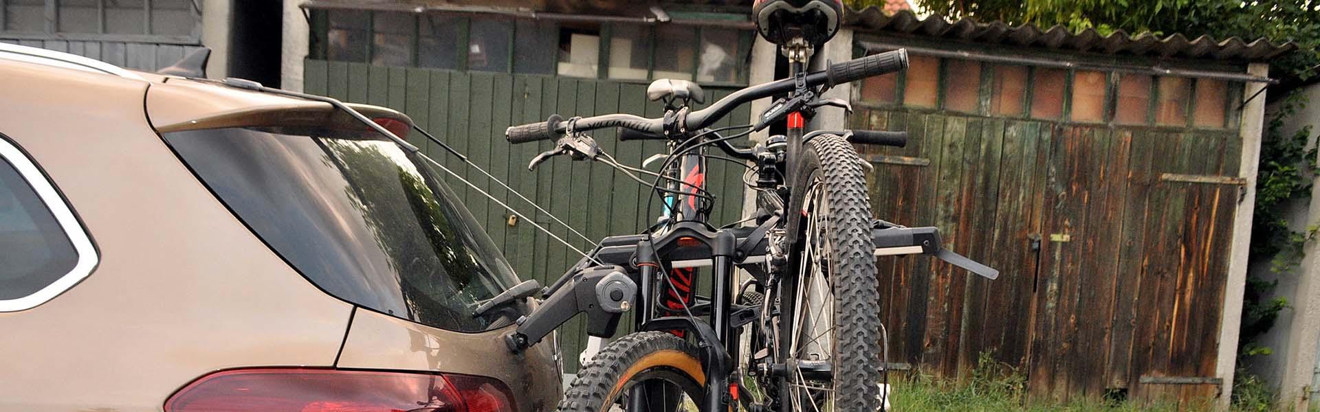 Thule Outway Hanging - kerékpárszállítás a kocsi hátulján