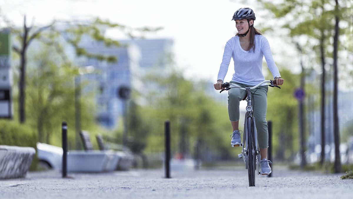 Modern városi kerékpáros stílusban-5