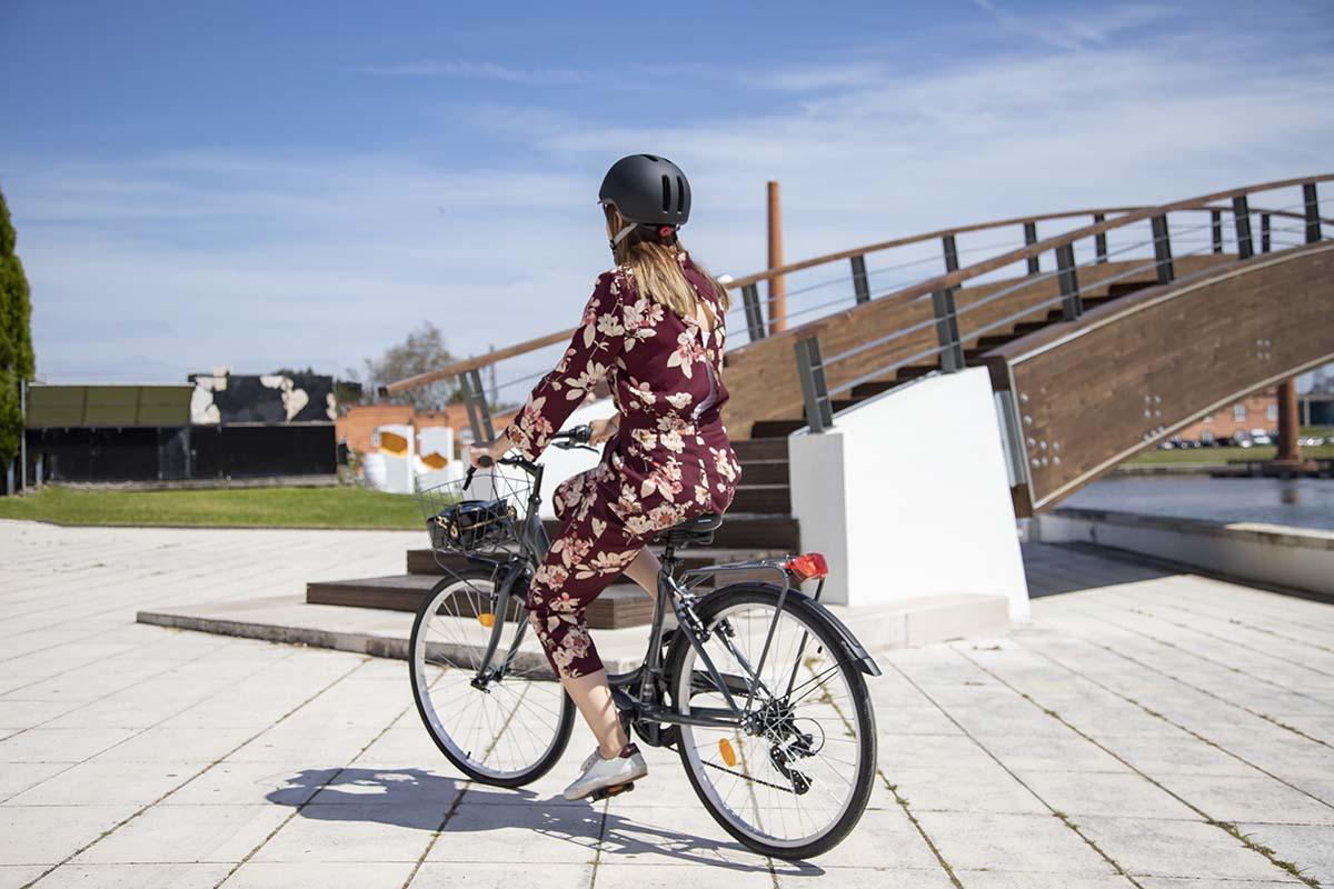 Modern városi kerékpáros stílusban-4
